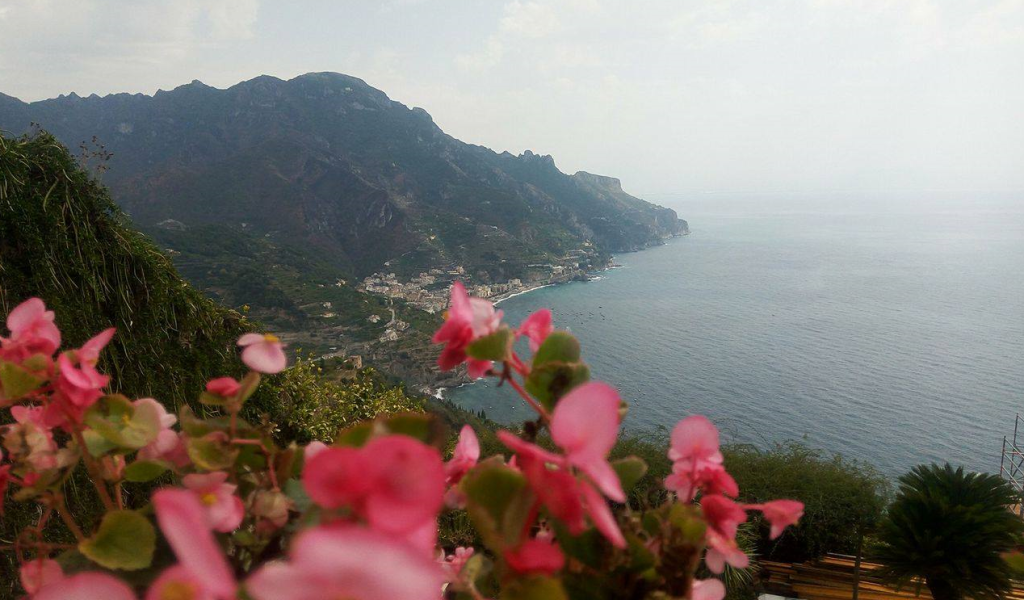 Imagine surprinsă din Villa Rufolo, Ravello
